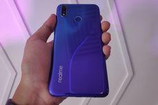 Menggenggam Realme 3 Pro, Ponsel Kamera Ganda dengan Baterai Besar