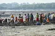 Relawan Kumpulkan 12.000 Ton Sampah Plastik dari Pantai India