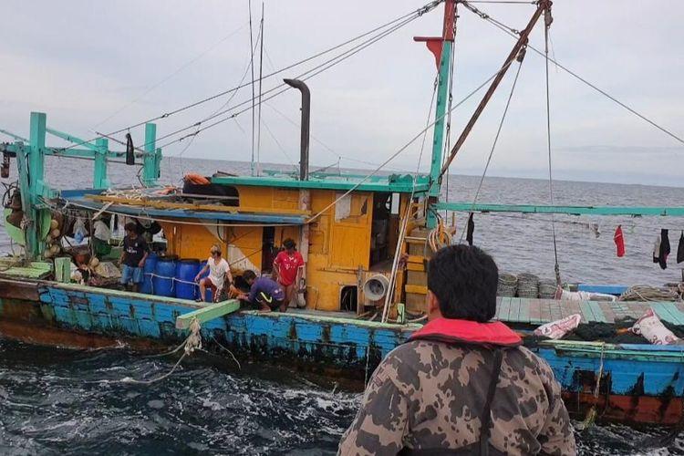 Kapal perikanan asing (KIA) berbendera Malaysia ditangkap di perairan Selat Malaka pada Selasa (18/6/2019).