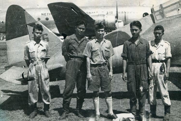 Pendaratan pertama pesawat AURI di Kemayoran pada April 1946.
