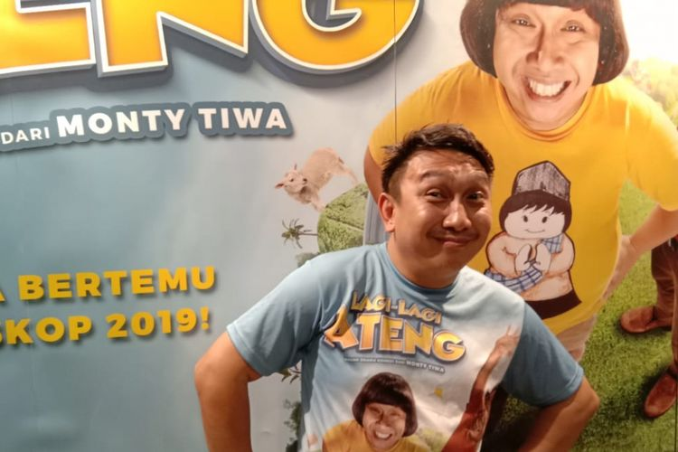 Augie Fantinus berpose saat menghadiri peluncuran teaser trailer <a href='http://medan.tribunnews.com/tag/film-lagi-lagi-ateng' title='film Lagi-lagi Ateng'>film Lagi-lagi Ateng</a> di Gedung Soho, Gunawarman, Jakarta Selatan, Rabu (10/10/2018).