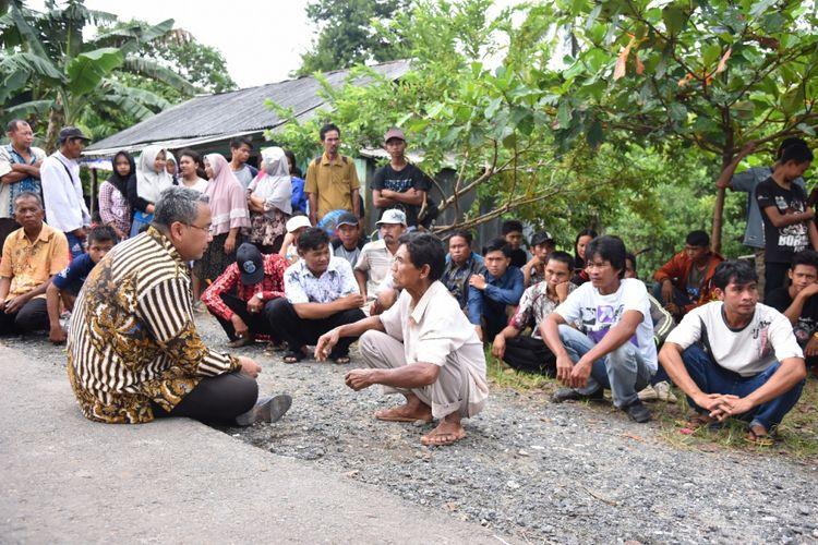 Menteri Desa, Pembangunan Daerah Tertinggal, dan Transmigrasi (PDTT) Eko Putro Sandjojo saat melaksanakan agenda kunjungan ke salah satu daerah perbatasan.