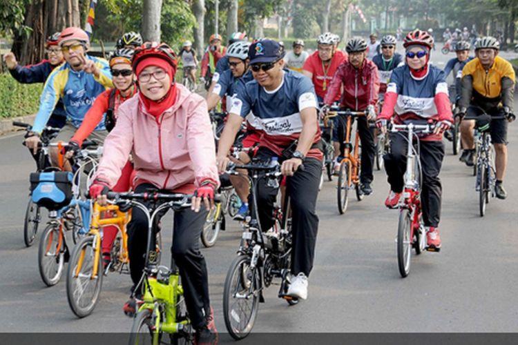Netty Heryawan Ikut Gowes di Festival Sepeda Lipat