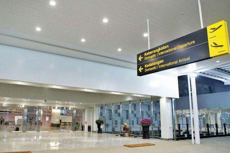 Pintu keberangkatan depan terminal baru Bandara Ahmad Yani Semarang, Kamis (7/6/2018)