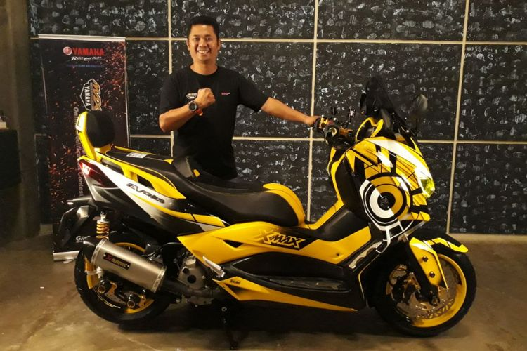 Yamaha XMAX 250 pemenang CustoMAXI Yamaha di Makassar dengan konsep Sport touring.