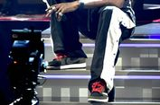 Travis Scott 'Pamer' Air Jordan 1 Baru di Panggung Grammy Awards