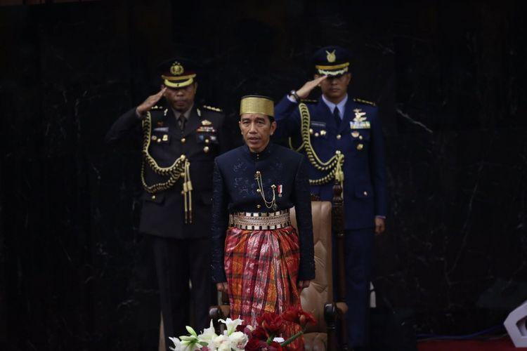 Presiden Joko Widodo saat hadir dalam sidang tahunan Majelis Permusyawaratan Rakyat Republik Indonesia Tahun 2017di Kompleks Parlemen, Senayan, Jakarta, Rabu (16/8/2017).