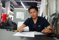 Tawaran dari T2 Motorsports Bangkitkan Semangat Rio Haryanto