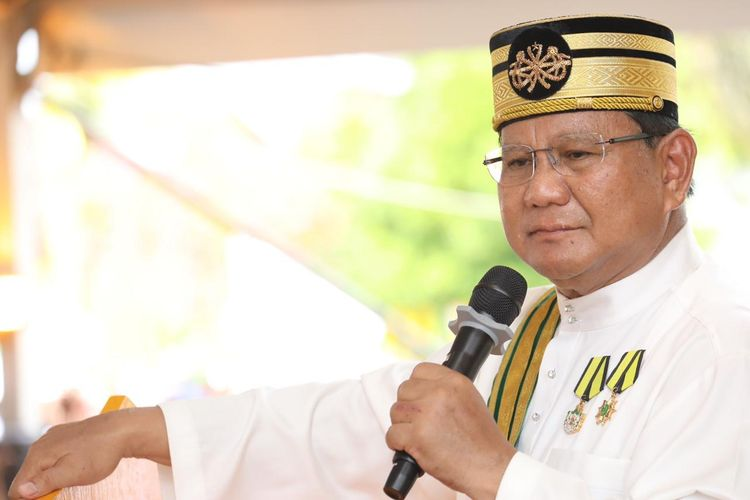 Calon presiden nomor urut 02 Prabowo Subianto dalam pidato kebangsaan di Istana Kesultanan Kadriyah, Pontianak, Kalimantan Barat, Minggu (17/3/2019).