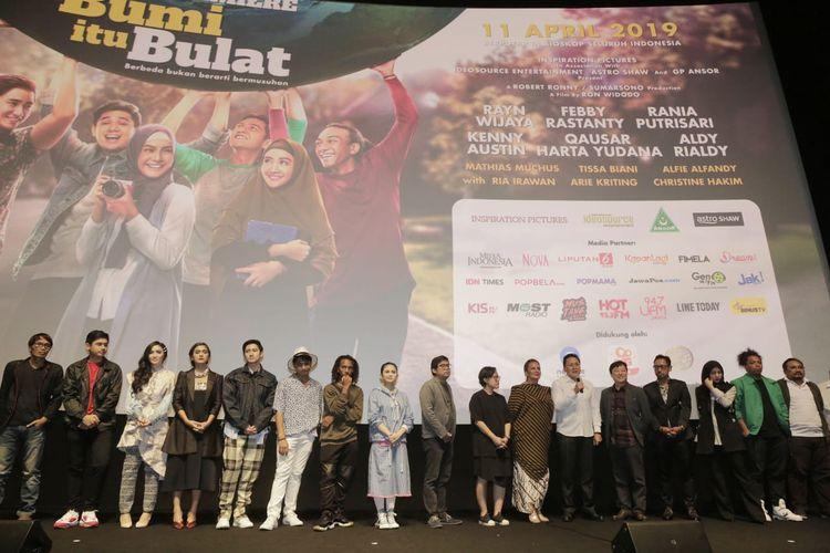Gala premiere film Bumi itu Bulat