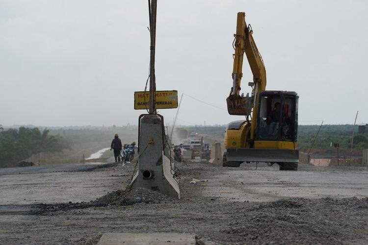 Pengerjaan tol Kapal betung yang akan di fungsikan untuk arus mudik nanti. Jalan tol Kapal Betung difungsikan sebanyak 33 kilometer.