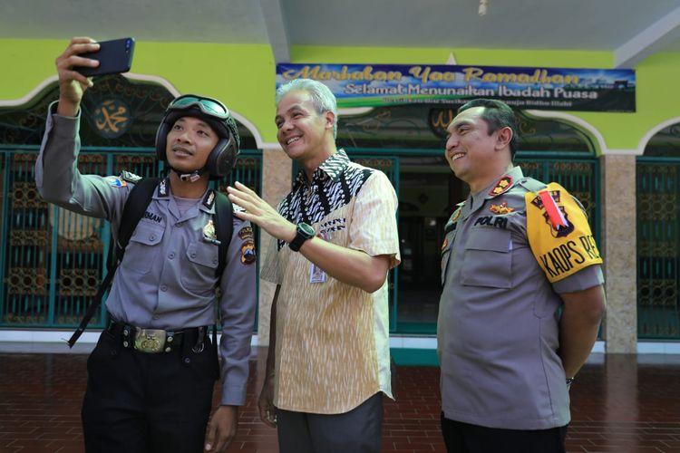 Bripka Herman Hadi Basuki (paling kiri), Gubernur Jateng Ganjar Pranowo dan Kapolres Purworejo AKBP Indra Kurniawan Mangunsong, Kamis (23/5/2019).