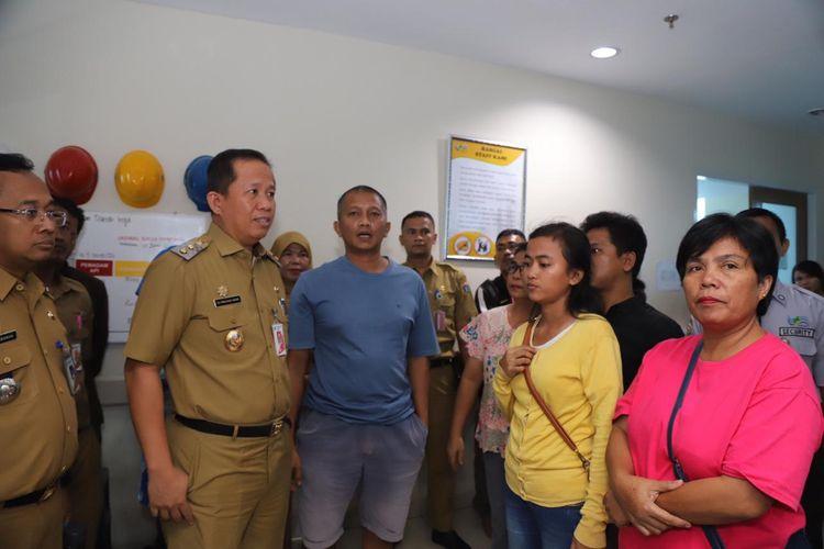 Wakil Wali Kota Jakarta Utara Ali Maulama Hakim bertemu dengan keluarga Sellha Purba, petugas PPSU yang terserempet sepeda motor, Selasa (25/6/2019).