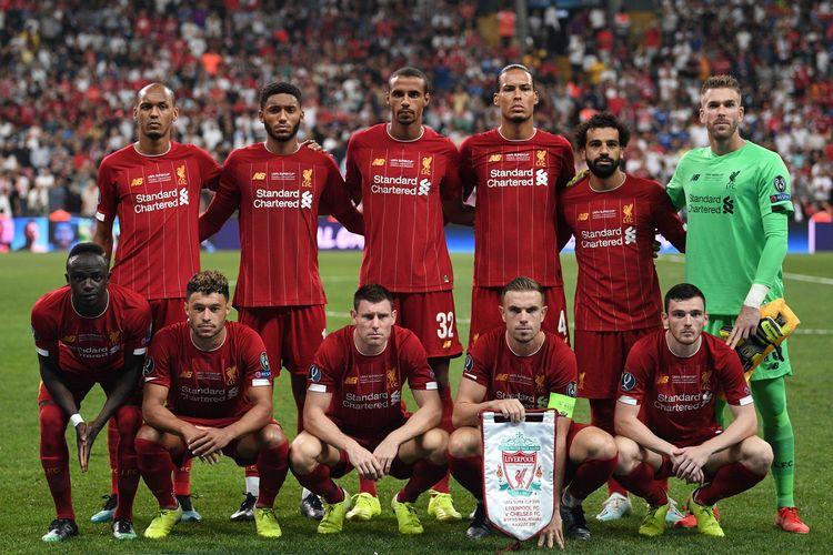 Tim Liverpool sesaat sebelum berlaga di salah satu pertandingan UEFA Super Cup 2019 melawan Chelsea, di Istambul, Turki, Rabu (14/8/2019).