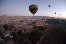 Balon Udara Jatuh di Kota Luxor, 1 Turis Tewas