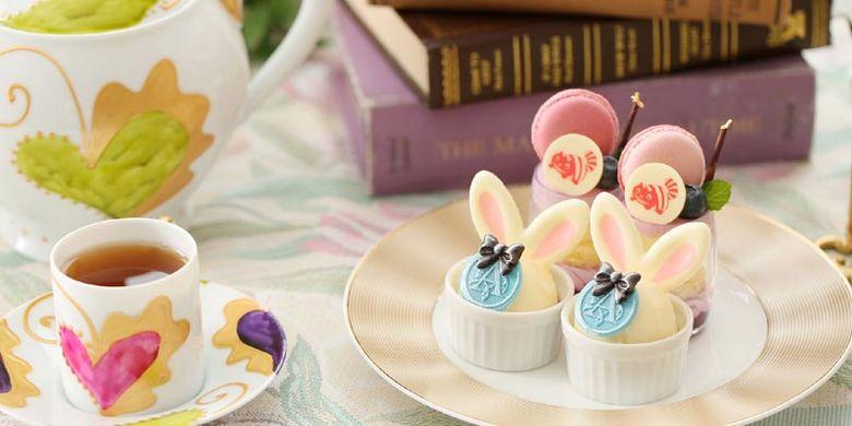 Kue-kue lucu pada Kafe di The Strings Hotel Nagoya, Jepang, ini seolah-olah keluar langsung dari dunia Alice in Wonderland.