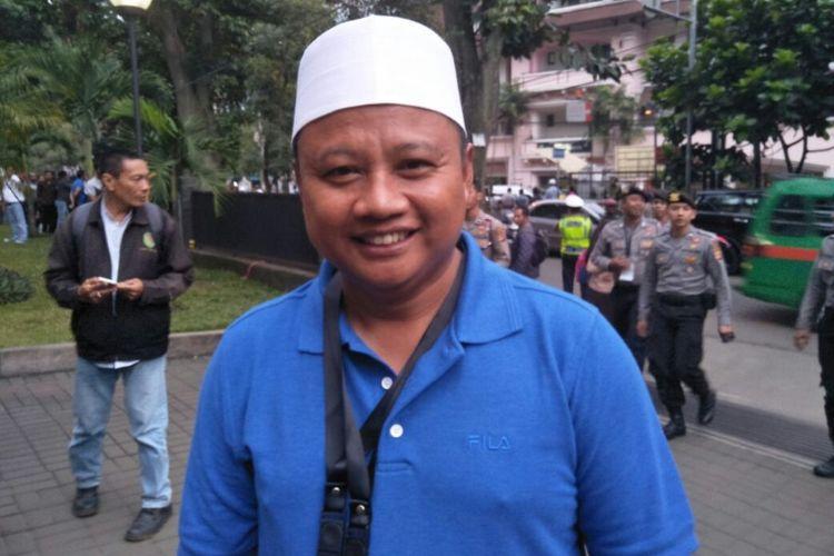 Bakal calon wakil gubernur Jawa Barat, Uu Ruzhanul Ulum saat ditemui usai menjalani tes kesehatan di RSHS Bandung, Kamis (11/1/2018).