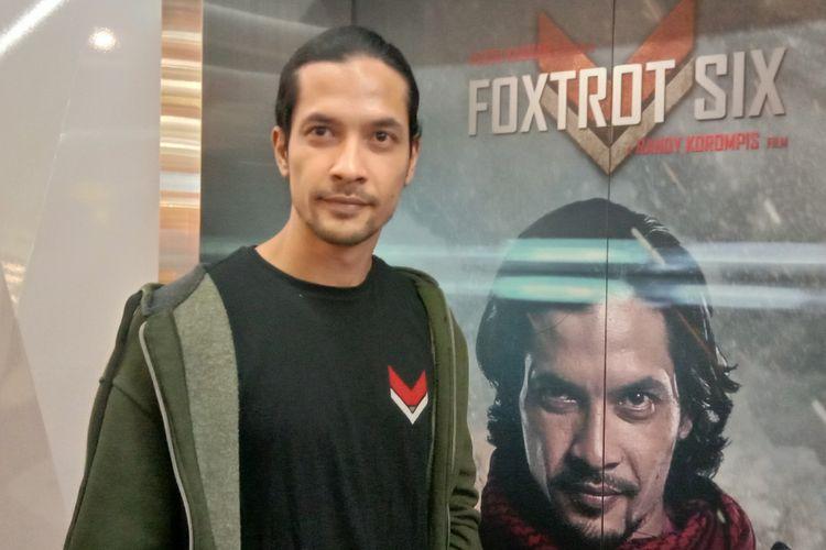 Edward Akbar menghadiri screening film action Foxtrot Six di XXI Plaza Indonesia, Thamrin, Jakarta Pusat, Rabu (13/2/2019).