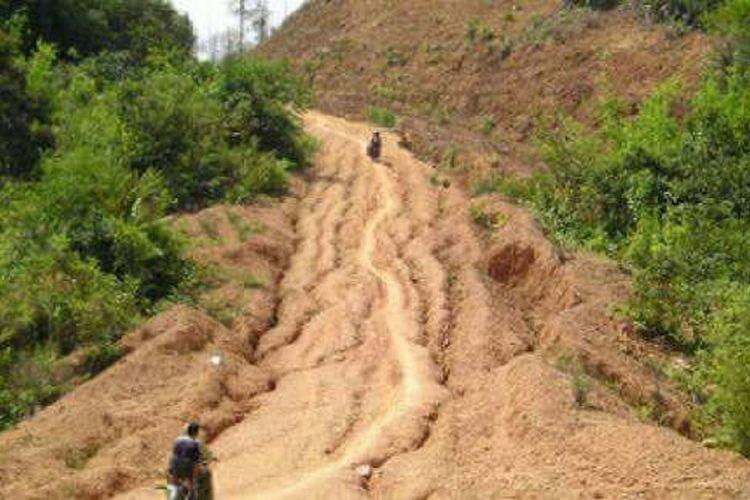 Kondisi jalan provinsi di Nusa Tenggara Timur
