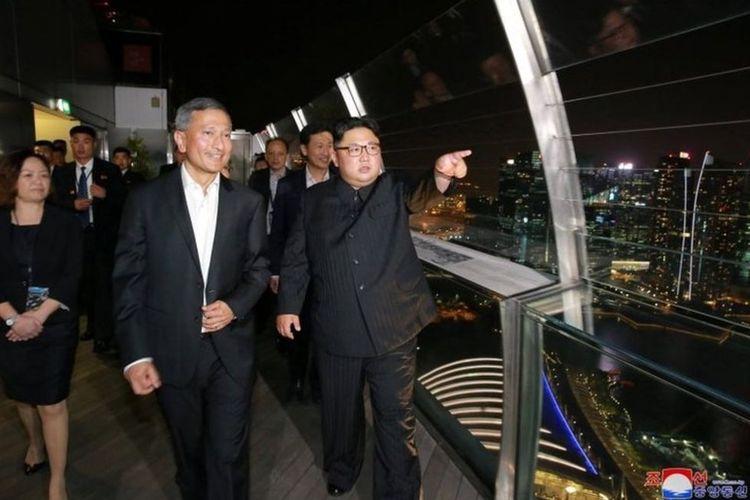 Mr Kim, didampingi oleh Menteri Luar Negeri Singapura Vivian Balakrishnan, menggambarkan Singapura sebagai bersih dan indah.