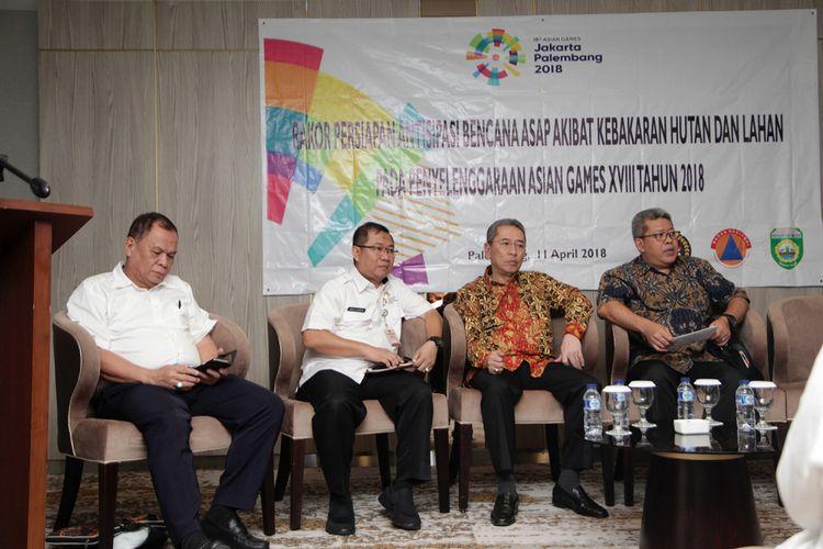 Rapat koordinasi antisipasi bencana asap akibat kebakaran hutan dan lahan pada penyelenggaraan Asian Games , di hotel Exelton Palembang, Rabu (11/4/2018).