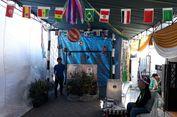Di TPS Ini, Pemilih Mencoblos di Bilik Suara di Dalam Gawang