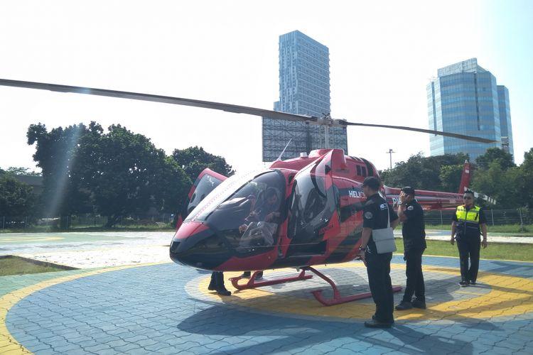Helikopter jenis Bell 505 dengan kapasitas 4 penumpang dan 1 pilot milik Whitesky Aviation di Helipad Wisma Aldiron, Pancoran, Jakarta, Kamis (14/6/2018).