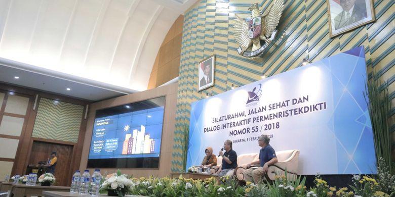 Menristekdikti Mohamad Nasir pada acara Silaturahmi, Jalan Sehat, dan Dialog Interaktif Permenristekdikti Nomor 55 Tahun 2018, Selasa (5/2/2019) di Auditorium Gedung D Kemenristekdikti, Jakarta.