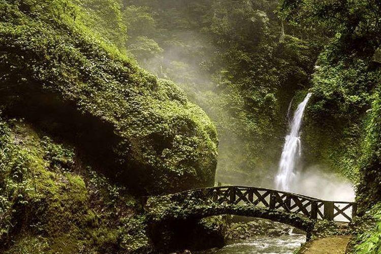Kali Waterfall di Tomohon, Sulawesi Utara.