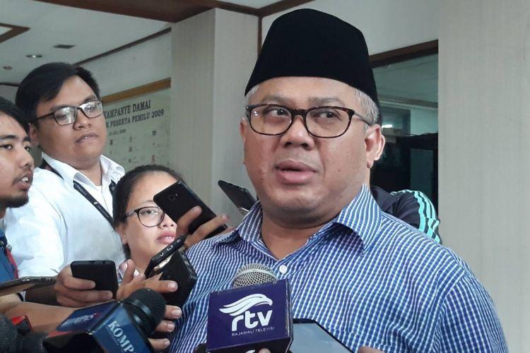 Ketua KPU Arief Budiman di kantor KPU, Menteng, Jakarta Pusat.