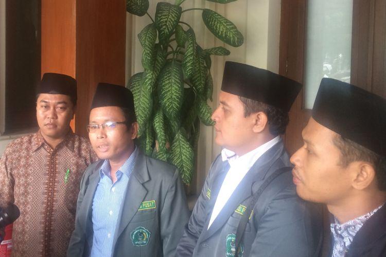 Ketua Umum Pengurus Pusat Forum Komunikasi Da'i Muda Indonesia Muhammad Noor Huda Usai Audiensi dengan Menkopolhukam Wiranto Kamis (17/5/2018)