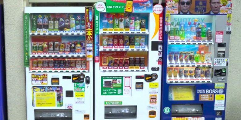 Deretan mesin penjual otomatis di Jepang.