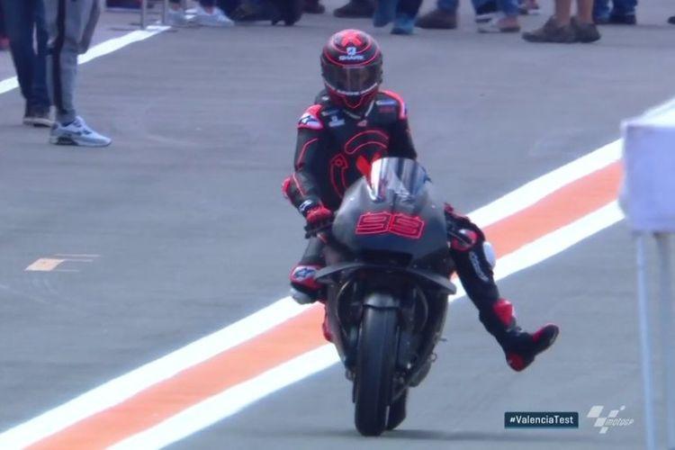Mantan pebalap Ducati Jorge Lorenzo sudah menunggangi motor balap Honda RC213V pada tes pra-musim pertama MotoGP 2019 di Valencia. Mulai musim 2019, Lorenzo akan bergabung di Repsol Honda.