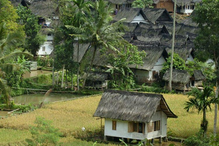 Kampung Naga di Desa Neglasari, Kecamatan Salawu, Kabupaten Tasikmalaya, Jawa Barat.