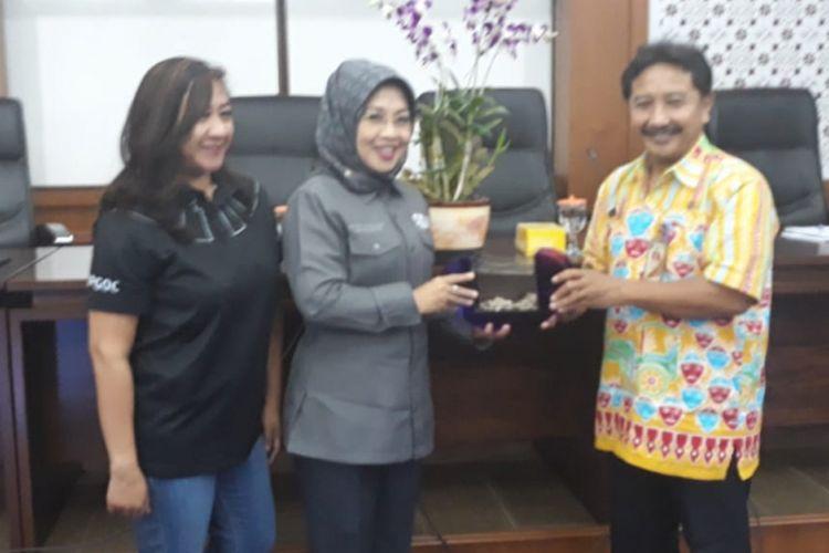 Wakil Ketua Umum I panitia penyelenggara Asian Para Games 2018, Sylviana Murni seusai memberikan pemaparan tentang Asian Para Games 2018 di Ruang Pola, Kantor Walikota Jakarta Barat, Kamis (13/9/2018).