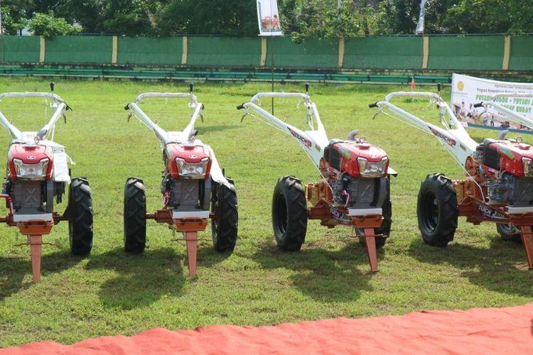 Kementan memberikan banyuan alat pertanian untuk Kabupaten Takalar.