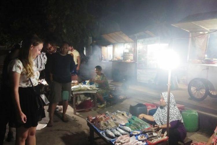 Penjual seafood di Alun-alun Karimunjawa