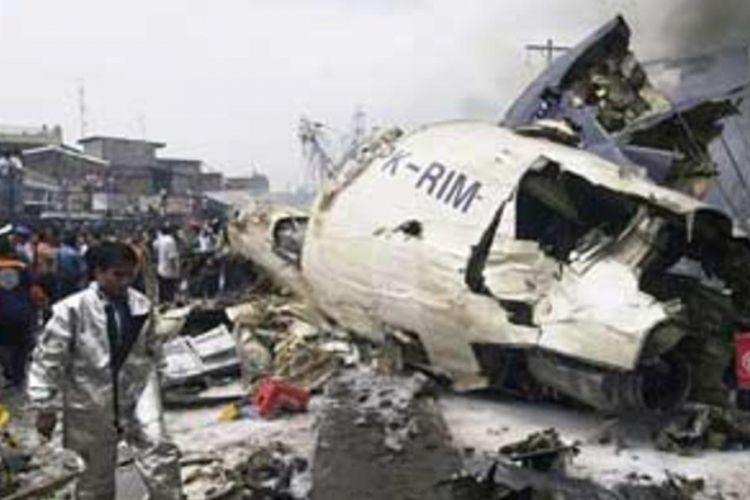 Kecelakaan pesawat Mandala Airlines PK-RIM penerbangan RI91 di Medan, 5 September 2005.