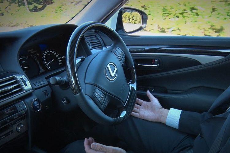 Otonomos pada mobil Lexus.