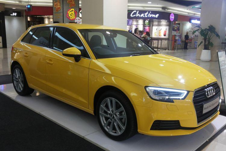 Audi A3 Sportback yang dipamerkan di mal Kota Kasablanka, Jakarta, Rabu (2/5/2018).