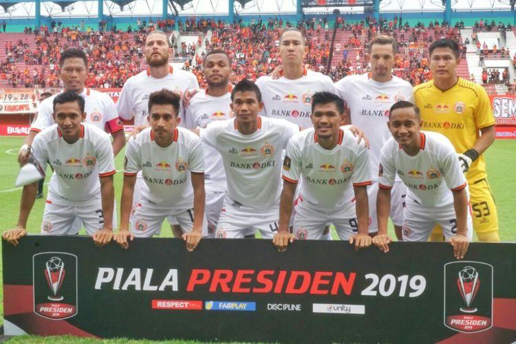 Para pemain Persija Jakarta saat berfoto sebelum menghadapi laga melawan Madura United di Stadion Maguwoharjo,Sleman