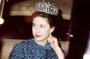 Merokok dan Klub Malam, Kebiasaan Hidup Adik Ratu Elizabeth II yang Berani