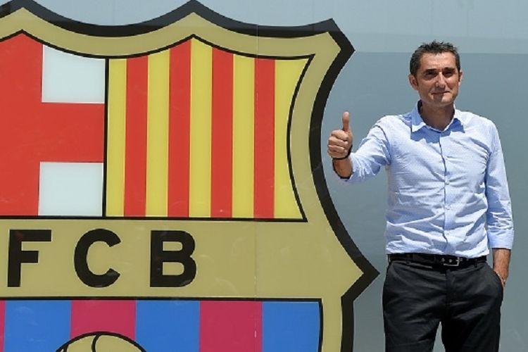 Pelatih baru Barcelona, Ernesto Valverde, saat diperkenalkan di markas klub pada 31 Mei 2017.
