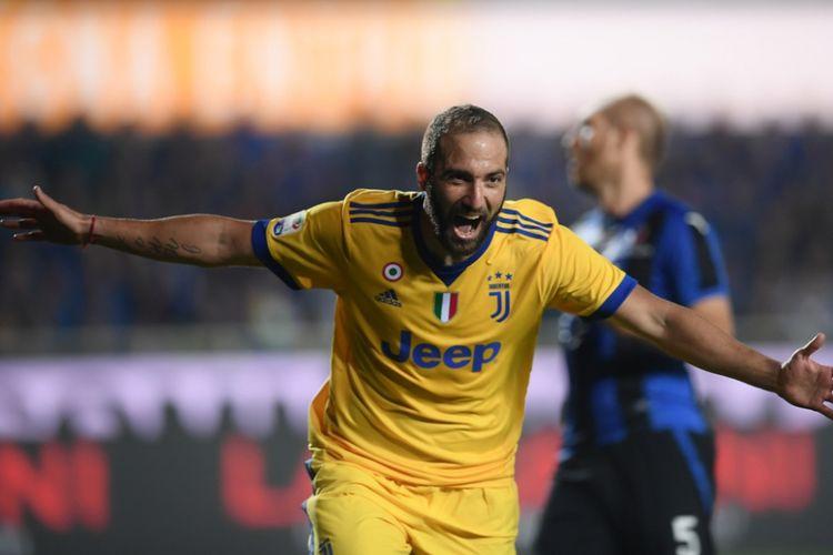 Gonzalo Higuain membawa Juventus unggul di markas Atalanta pada pertandingan pekan ketujuh Serie A, Minggu (1/10/2017).