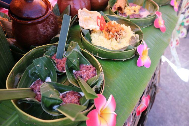 Jajanan khas Bali di Ubud Food Festival.