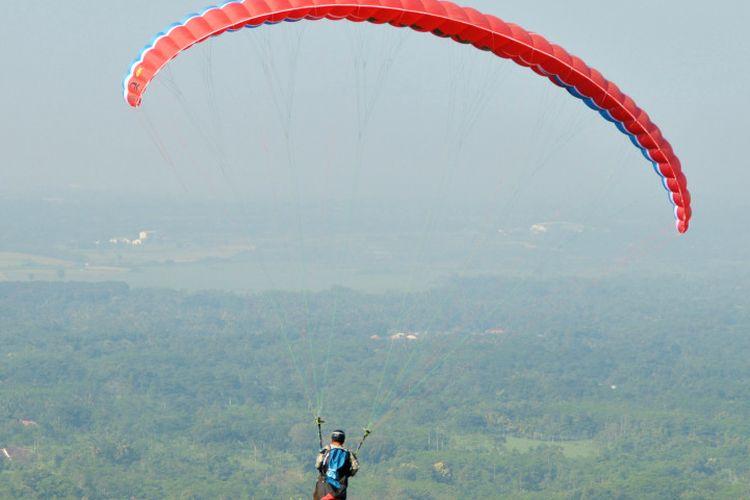 Paralayang Gunung Banyak, Menikmati Batu Malang dari Ketinggian