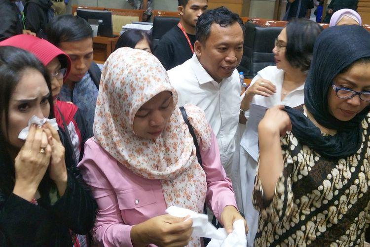 Baiq Nuril Maqnun seusai mengikuti Rapat Pleno Komisi III, di Kompleks Parlemen, Senayan, Jakarta, Rabu (24/7/2019).