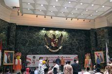 Anies Baswedan Terima Penghargaan dari Purna Paskibraka DKI Jakarta