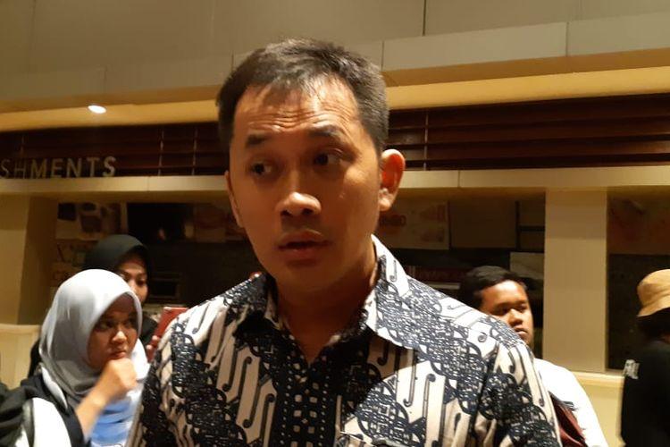 Sutradara Hanung Bramantyo saat menghadiri gala premiere Bumi Manusia di XXI Empire, Yogyakarta, Selasa (13/8/2019) malam.