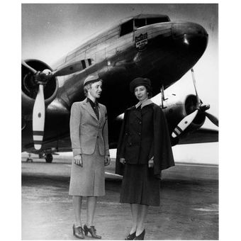 Ellen Church dan Virginia Schroeder pada 14 Mei 1940